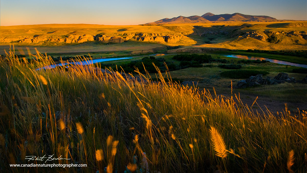 Writing-on-stone milk river valley with the Sweet grass hills visible in Montana Robert Berdan ©