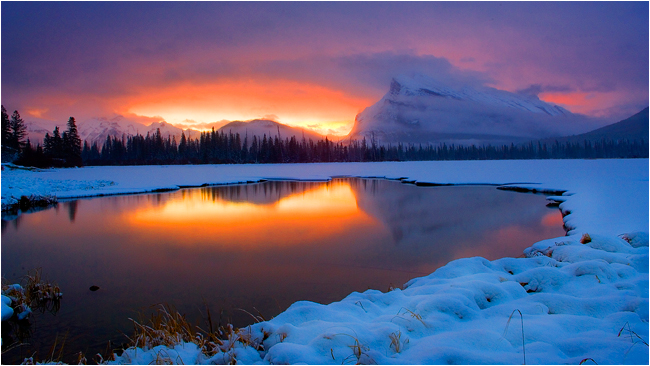 Sunrise, Vermillion lake in January near Banff, AB by Robert Berdan ©