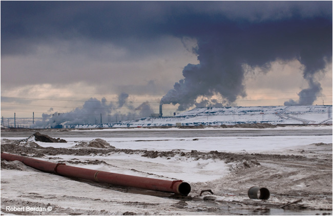 Oil sands near Fort McMurray by Robert Berdan ©