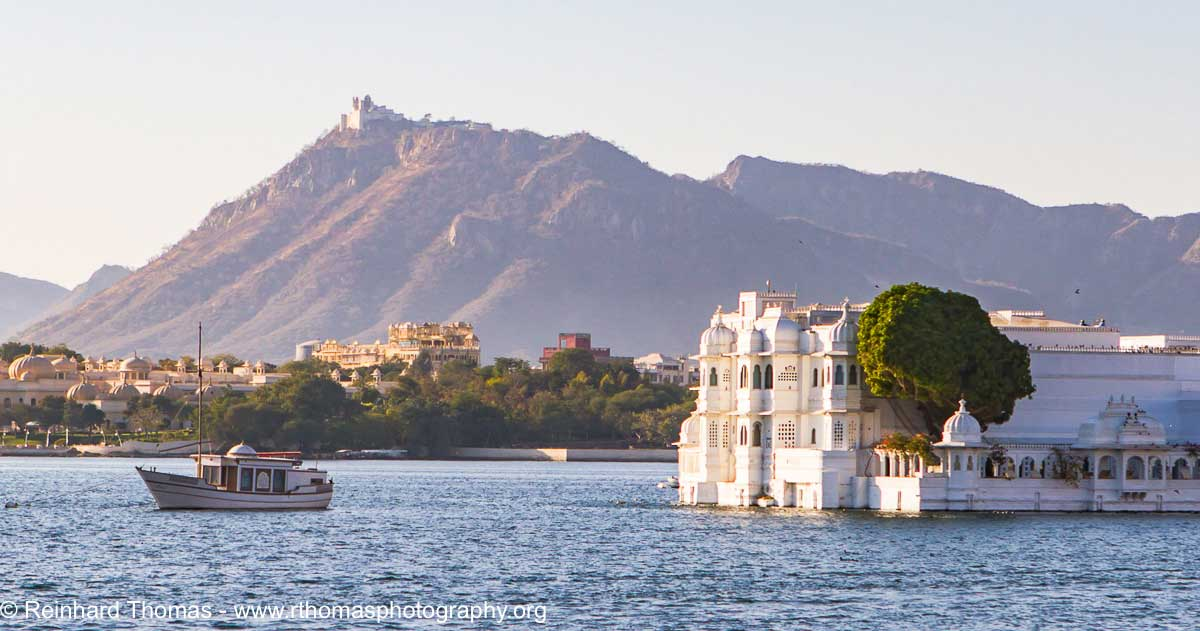 Water palace in lake Pichola  by Reinhard Thomas ©