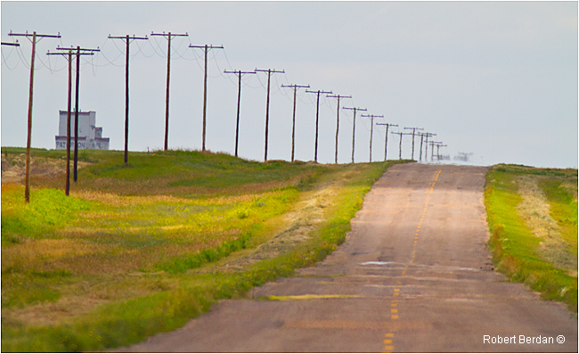 Country road east of Calg;ary by Robert Berdan ©
