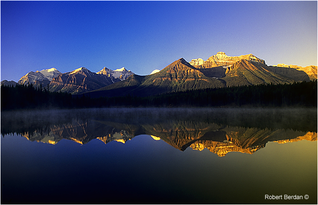 Herbert Lake at sunrise by Robert Berdan ©