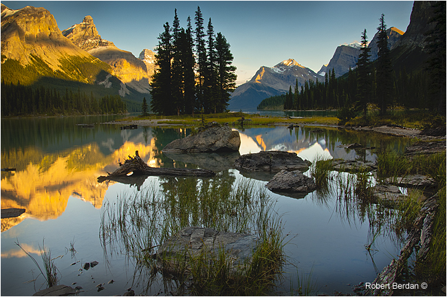 Spirit Island at sunset, Jasper National Park by Robert Berdan ©