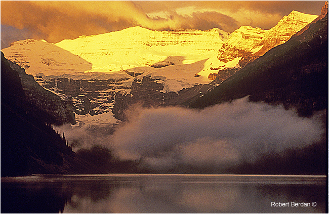Sunrise lake louise in summer by Robert Berdan ©