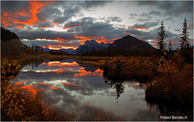 Sunrise in Autumn Vermilin Lakes Banff National Park by Robert Berdan ©