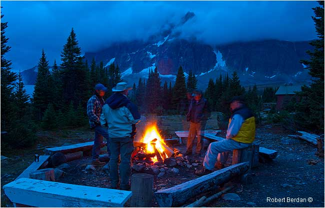 Evening campfire in the Tonquin Valley by Robert Berdan ©