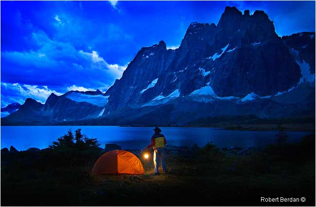 Cowboy overlooking Amethyst Lake in the evening by Robert Berdan ©