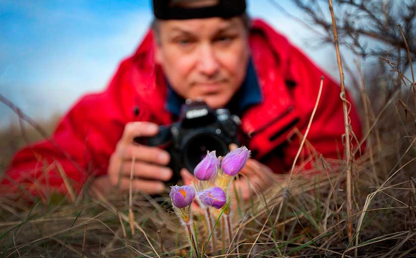 Robert Berdan photographing wild flowers photo by Donna Berdan ©