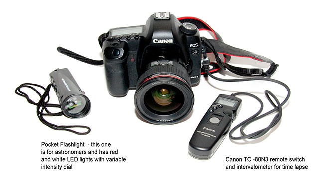Canon 5D mark II with intervalometer and flash light by Robert Berdan