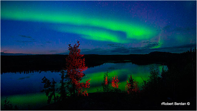 Aurora reflection off lake Yellowknife by Robert Berdan ©
