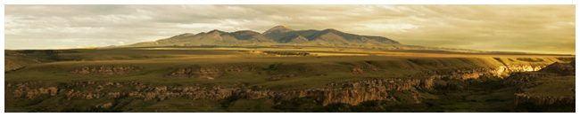 Sweet Grass hills in Montana by G. Ehnes-Lilly ©