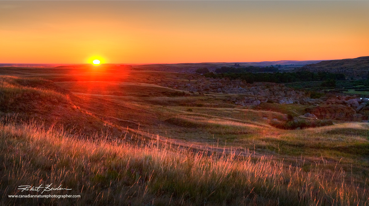 Writing-on-Stone Provincial Park, AB at sunrise by Robert Berdan ©