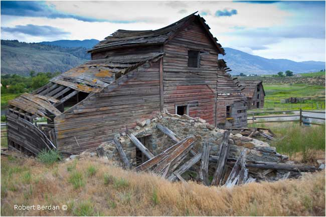 Homestead on blackage road Osoyoos by Robert Berdan ©