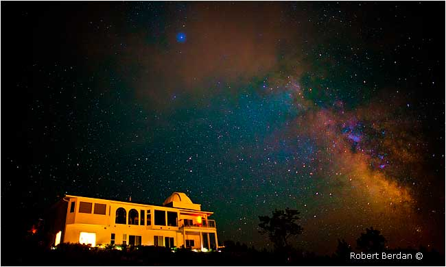 Observatory bed and breakfast near Osoyoos by Robert Berdan ©