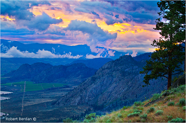 Osoyoos valley from Observatory B&B by Robert Berdan ©