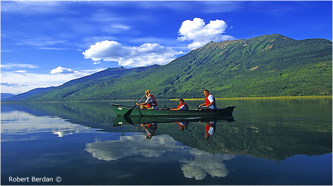 Canoeing on the Arrow lakes by Robert Berdan ©