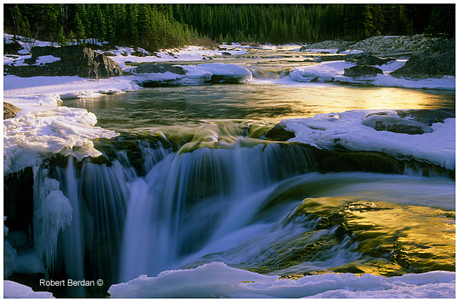 Elbow Falls taken with Blue-Yellow polarizing filter by Robert Berdan ©