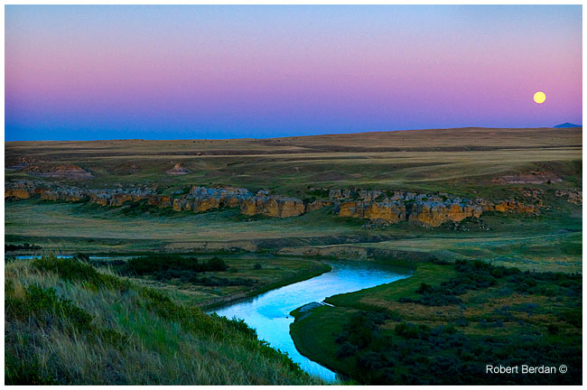 Moonrise over the Milk river valley Writing-on-Stone by Robert Berdan ©