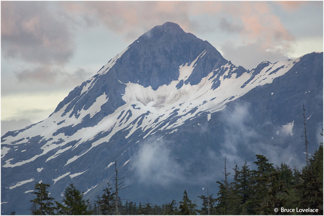 Pink clouded mountain in Alaska by Bruce Lovelace ©