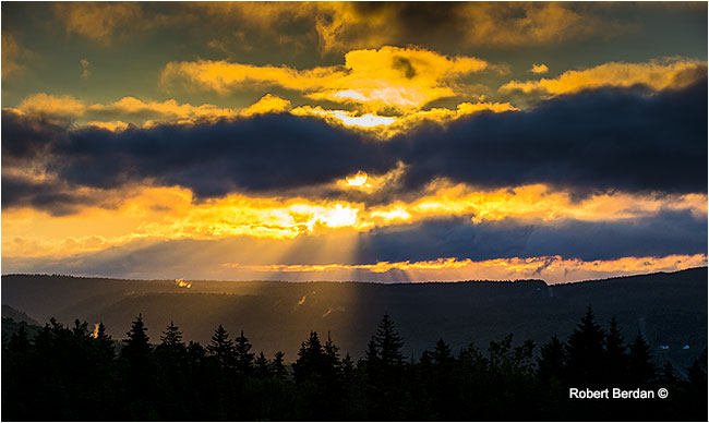 Early morning light over Alma, Fundy National Park, New Bruinswick by Robert Berdan ©