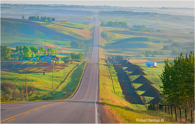 Bearspaw road sunrise by Robert Berdan ©