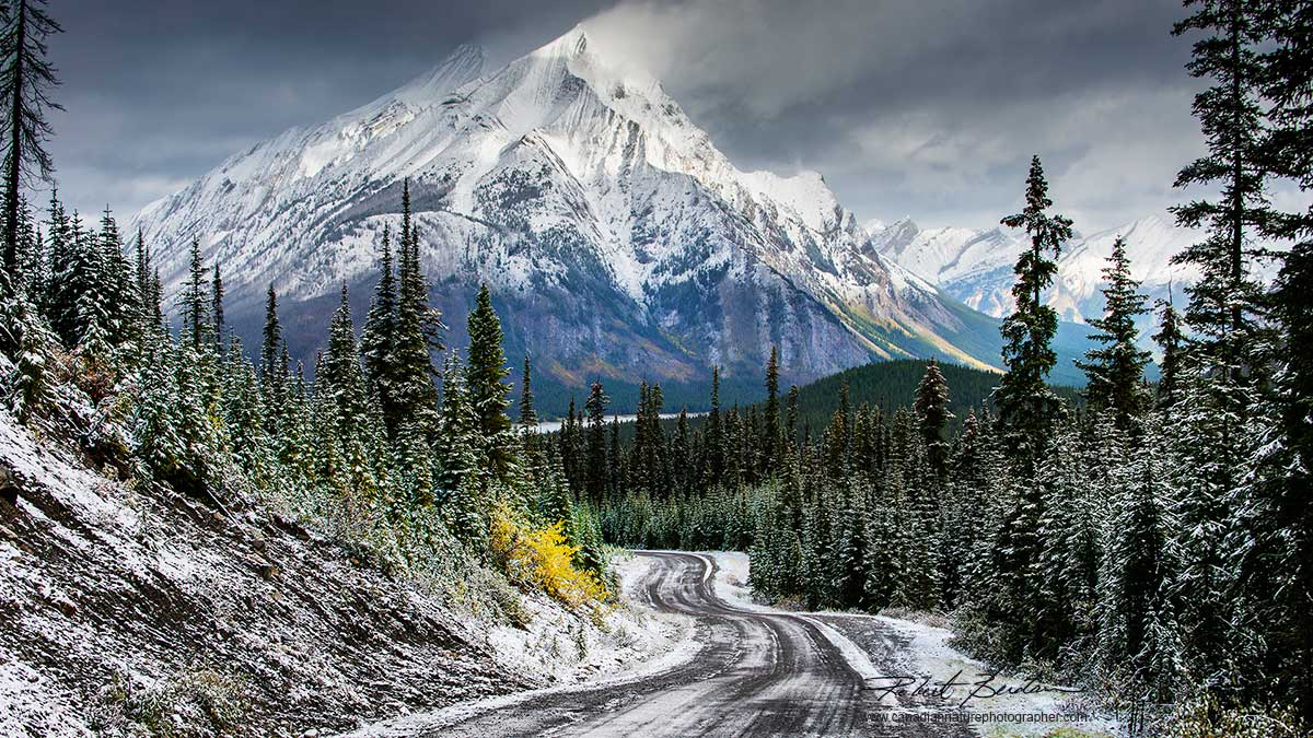Cone mountain in Kananaskis Country in winter by Robert Berdan ©