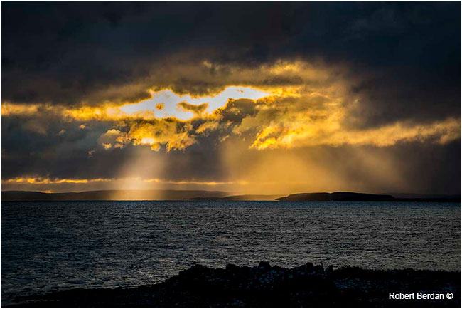 God rays over Point lake by Robert Berdan ©
