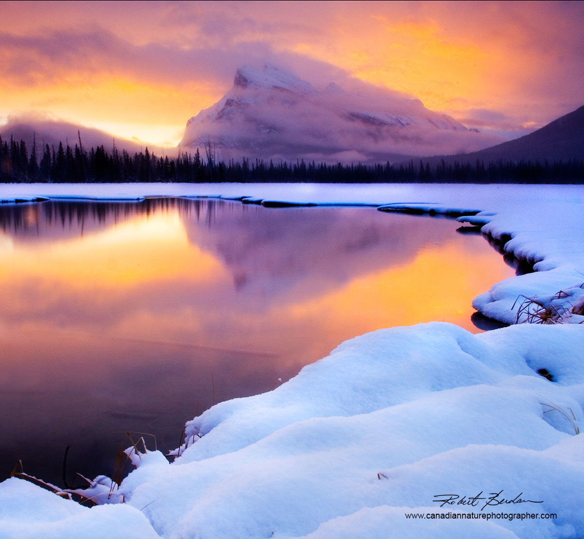 Sunrise Vermilion Lake outside Banff in January by Robert Berdan ©
