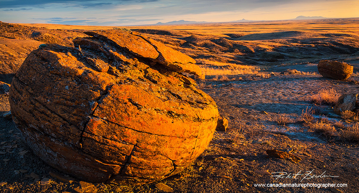 Rembrandt Lighting - Red Rock Coulee, Alberta by Robert Berdan ©