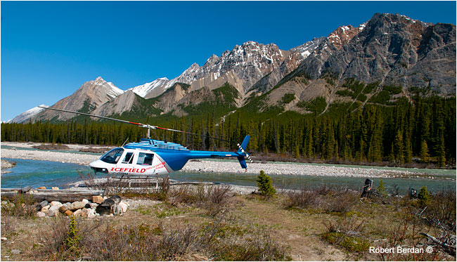 Helicopter landing on the Cline River by Robert Berdan ©