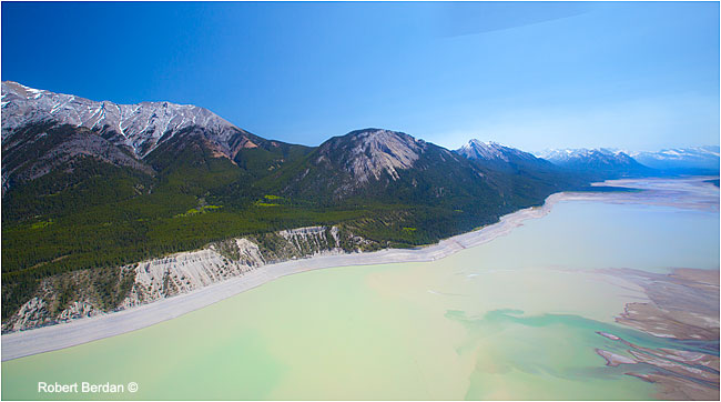 Abraham lake from helicopter by Robert Berdan ©